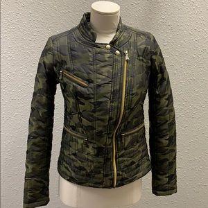 Guess camo biker style puff jacket size XS